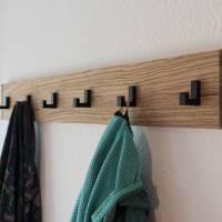 Schmales Ethno Design Garderobenpaneel aus Zebrano Edelholz mit 6 schwarzen Haken (Cosima) Bild 1