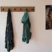 Schmales Ethno Design Garderobenpaneel aus Zebrano Edelholz mit 6 schwarzen Haken (Cosima) Bild 2