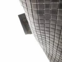 Gürteltasche, Crossbodybag aus schwarzem Leder mit graphischem Muster Bild 4
