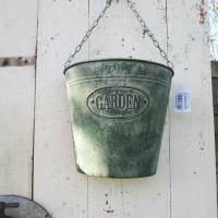 Shabby Wandeimer Pflanzkasten Garden Metall Grün Vintage Art mit Kette Bild 1