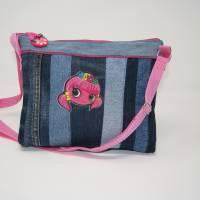 Mädchentasche mit rosa Akzenten / Umhängetasche / Schultertasche / Jeanstasche / upcycling Bild 1