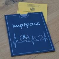 Impfpasshülle Kunstleder mit EKG & Krankenpfleger  Bild 2