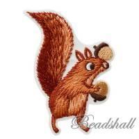 Bügelbild Eichhörnchen mit Eicheln Dekoration Applikation Bild 1