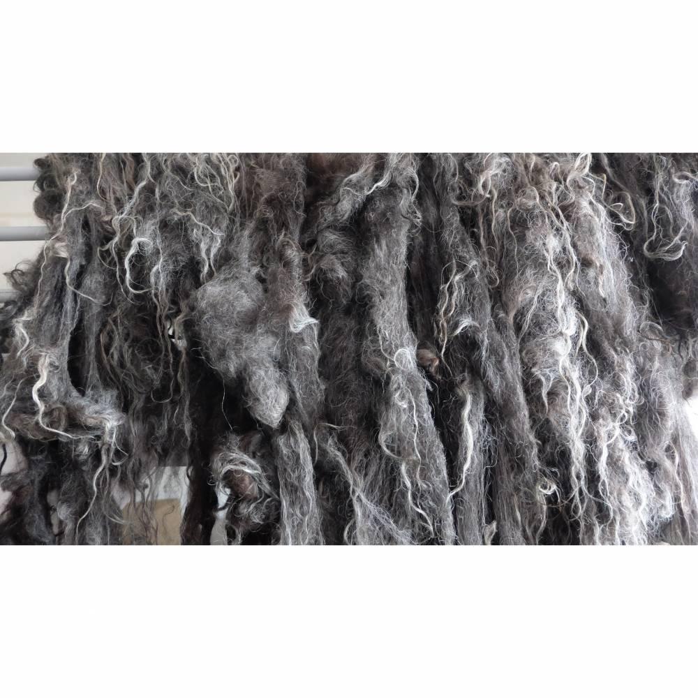 100 Gramm Wolle vom Norsk Spaelsau, dunkelgrau, zum Spinnen, Filzen, Basteln Bild 1