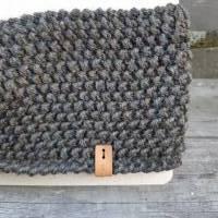 Stirnband mit Twist handgestrickt - Wolle (Merino) - dunkles khaki meliert Bild 3