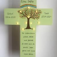 Kinderkreuz mit LED Licht Taufkreuz Taufgeschenk Patengeschenk bemalter Kinderkreuz Lebensbaum Bild 3
