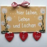 Türschild Pusteblumen,Familientürschild, Holztürschild, Türschild mit Herzanhänger, Personalisiert Bild 1