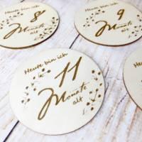 Meilensteinkarten aus Holz, 1 bis 12 Monate inkl. Dekostern mit Wunschgravur, Geschenk zur Geburt Bild 4
