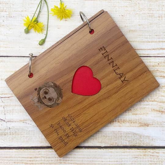 Personalisiertes Fotoalbum mit Wunschgravur, perfekt als Geschenk für Geburt / Geburtstage und viele andere Anlässe Bild 1