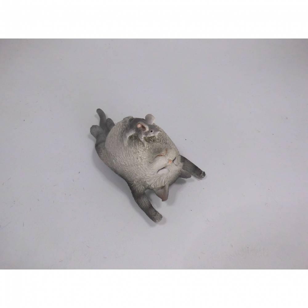 1 Figur Katze mit einer sehr vorwitzigen Maus auf dem Bauch - zum basteln für Geldgeschenke Bild 1