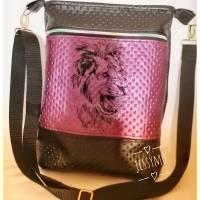 Schöne, geradlinige Umhängetasche/Tasche aus Kunstleder in zwei Größen Bild 1