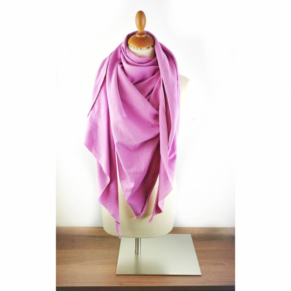 Großes, kuschliges Dreiecktuch / Schultertuch in Rosa aus Sweatstoff  Bild 1