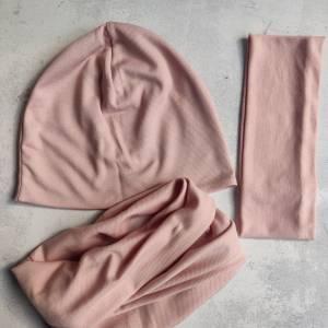 Mütze, Loop und Stirnband in zartem rosa Bild 3