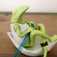 Neptun, der Frosch der Meere, Meer, Meeresgott, Frosch, Frosch Skulptur, Frosch Figur, Neptun, Frosch in Papierschiff, F Bild 8