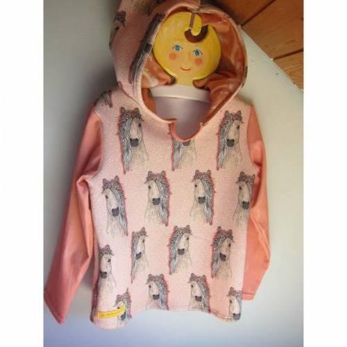 Romantische Pferde Baby Hoody Sweatshirt in Öko Baumwolle  Größe 122,  Schlupf Hoodie Pastelfarben.