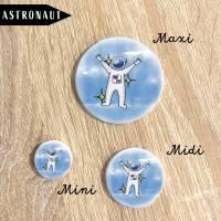 Astronaut im Weltraum Button Bild 2