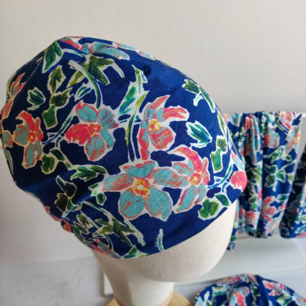 Mütze, Loop und Stirnband in blau mit Blumen Bild 1