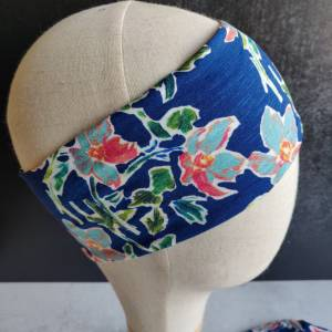 Mütze, Loop und Stirnband in blau mit Blumen Bild 2