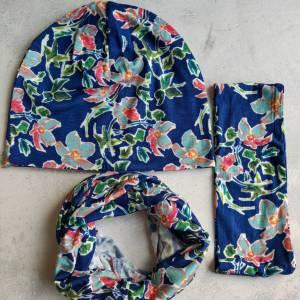 Mütze, Loop und Stirnband in blau mit Blumen Bild 5