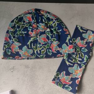 Mütze, Loop und Stirnband in blau mit Blumen Bild 6
