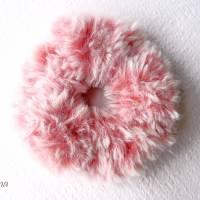 Haargummi, Zopfgummi, Scrunchie, rosa, Handarbeit, gehäkelt aus Fellgarn Bild 1