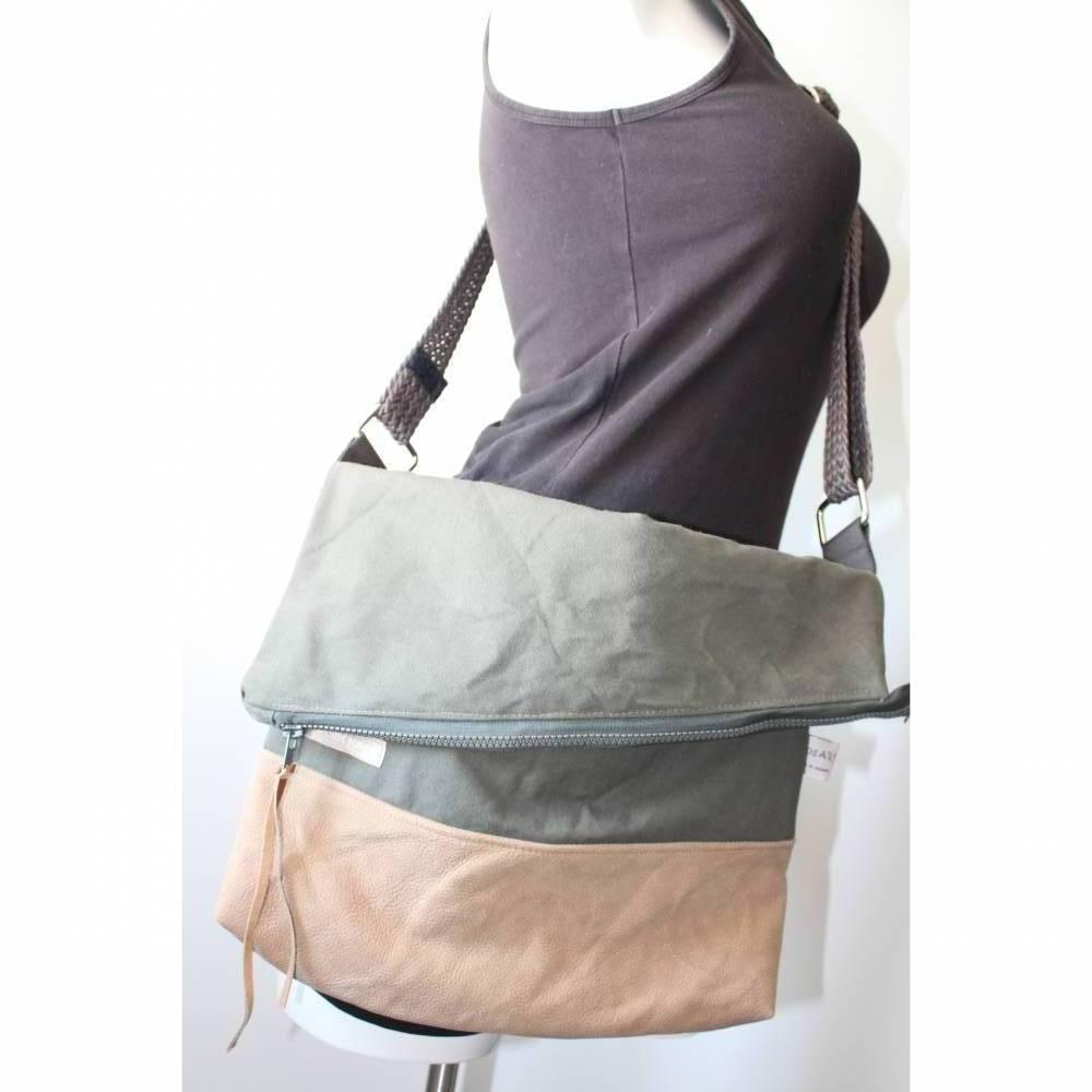 Seesacktasche / Ledertasche / Upcycling / Foldover /  Umhängetasche / Schultertasche / Recycling / Handtasche / Unikat Bild 1