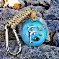 Schlüsselanhänger mit Delfinen und Muscheln Bild 1