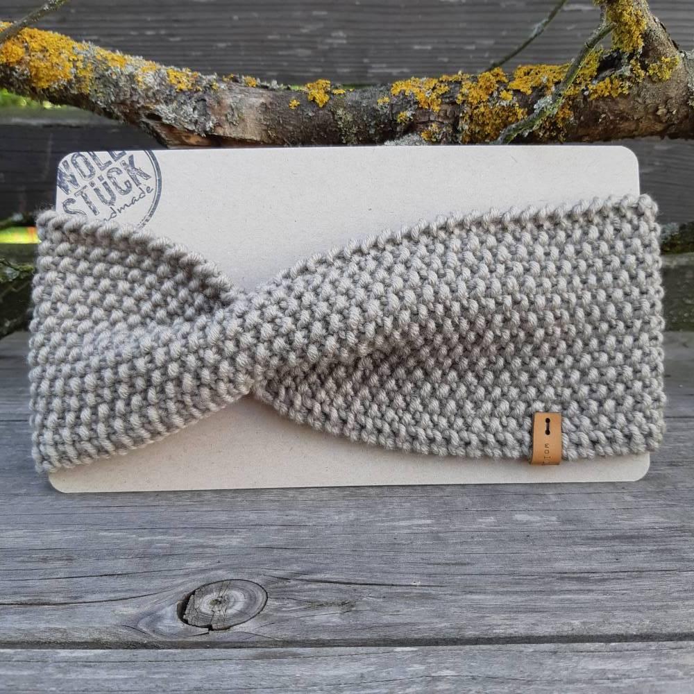 Stirnband mit Twist handgestrickt - Wolle (Merino) - steingrau Bild 1