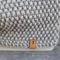 Stirnband mit Twist handgestrickt - Wolle (Merino) - steingrau Bild 3