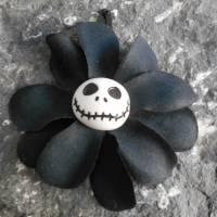 Skull , Jack, Haarspange oder Haargummi ,  Plumeria, , Stoff, Hibiskus , Blume, schwarz  Bild 3