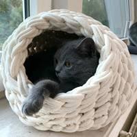 Katzenhöhle oder Hundehöhle aus reiner Naturschurwolle Bild 1