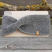 Stirnband mit Twist handgestrickt - Wolle (Merino) - grau meliert Bild 1