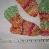Frühchen, Babysocken, Set aus Mütze und Socken für Frühgeborene Babys Bild 5