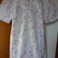 Vintage Damen-Nachthemd mit rosa Blüten - DDR - 80er Jahre ... Bild 2