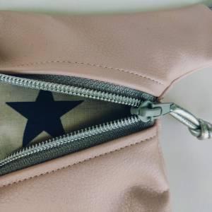 Hüfttasche aus rosa Kunstleder mit Stern Bild 3