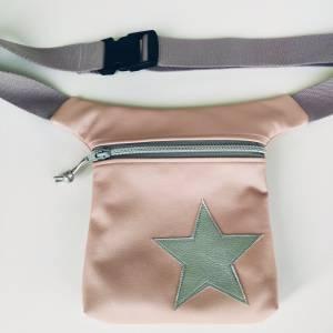 Hüfttasche aus rosa Kunstleder mit Stern Bild 4
