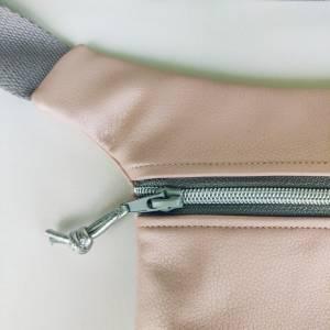 Hüfttasche aus rosa Kunstleder mit Stern Bild 5