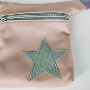 Hüfttasche aus rosa Kunstleder mit Stern Bild 6