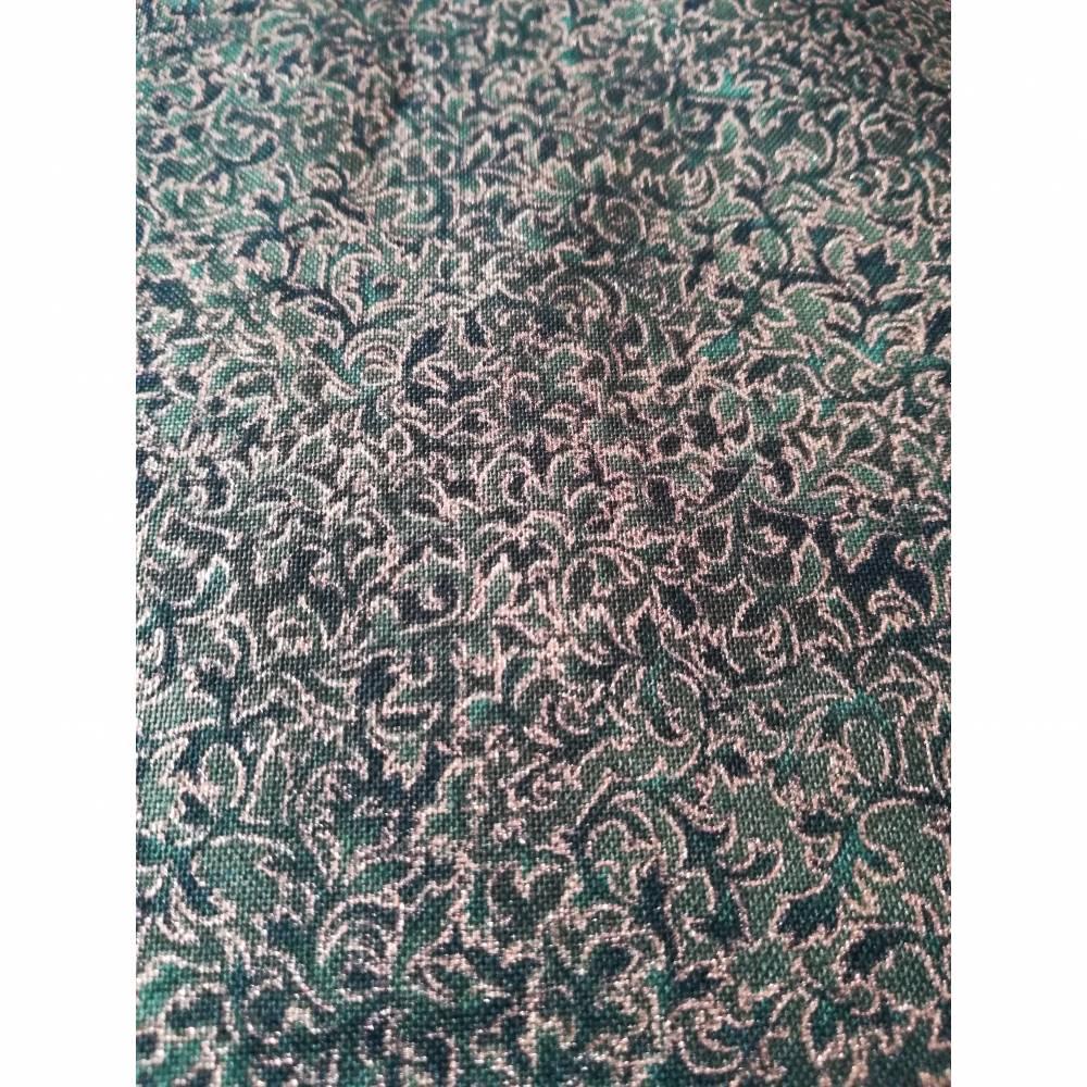 Patchworkstoff kleine Blättchen goldumrandet auf oliven Untergrund , Robert Kaufmann Nr. 20 Bild 1