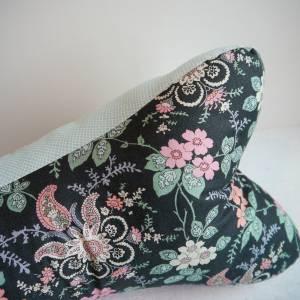 Leseknochen  Nackenkissen mit Blumen in schwarz, mint und rosa Bild 3