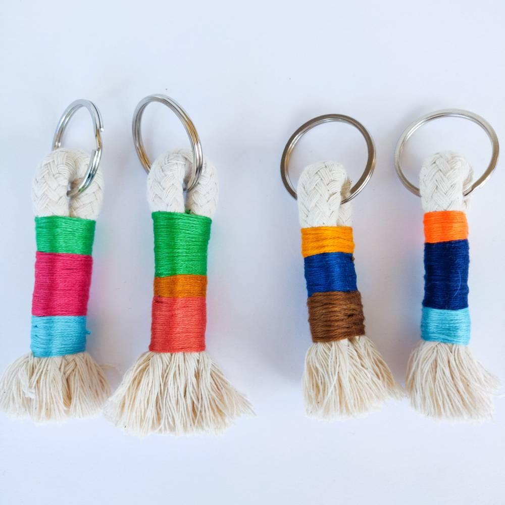Schlüsselanhänger aus Baumwollseil Bild 1