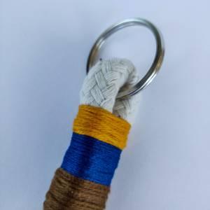 Schlüsselanhänger aus Baumwollseil Bild 3