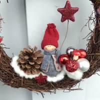 Türkranz aus Weide, Winterkranz, Deko-Kranz für den Winter, Adventskranz mit Wichtel, Naturkranz für Weihnachten Bild 10