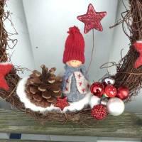 Türkranz aus Weide, Winterkranz, Deko-Kranz für den Winter, Adventskranz mit Wichtel, Naturkranz für Weihnachten Bild 5