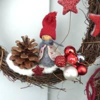 Türkranz aus Weide, Winterkranz, Deko-Kranz für den Winter, Adventskranz mit Wichtel, Naturkranz für Weihnachten Bild 9