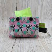 Hundekotbeutelspender aus Wachstuch, Kotbeutelspender, Schietbüddelspender, Hundetütentasche, Möpse Bild 1