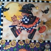 Motivstoff Happy Halloween, kleine Hexe und ihre Gefährten. MM Fabric Bild 2