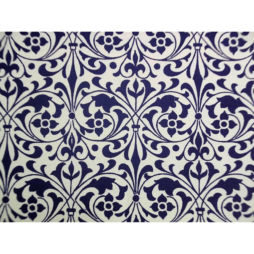 "Italienisches Papier - CARTA VARESE Dekor B193 - ""Zierornament blau"" Bild 1"