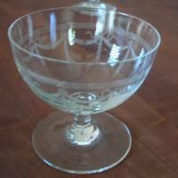 9 Sherry / Likör Gläser mit wunderschöner Nadelgravur aus den 30er Jahren  Bild 3