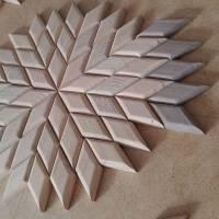 Großer Stern Sonne Energie Kraft Symbol Natur Mosaik aus Holz massiv Nussbaum Eiche Buche hangemacht Bild 5
